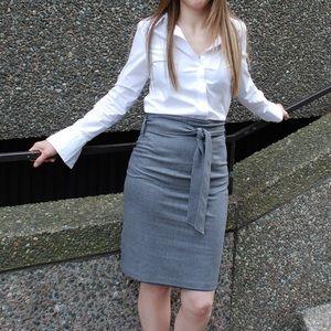 ☘️NEW PHOTOS🍀: Club Monaco High waisted skirt
